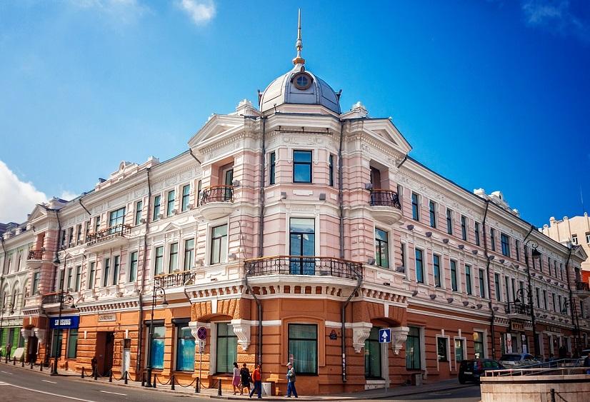 Главный корпус Музея Арсеньева на Светланской, 20