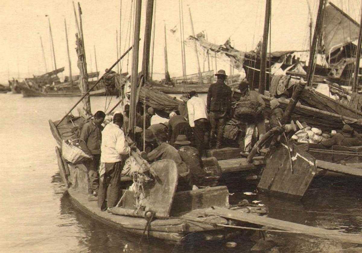 Семеновский ковш. Китайские рыбацкие лодки