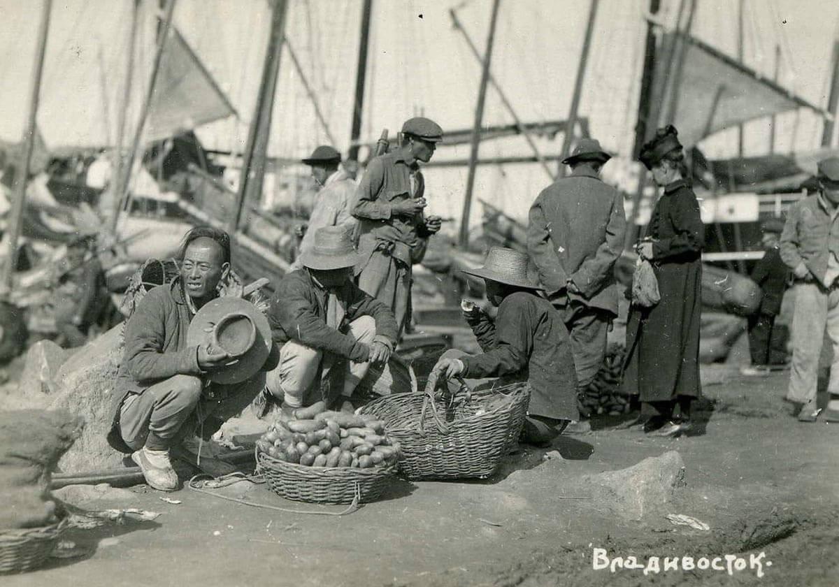 Китайцы на Семеновском базаре