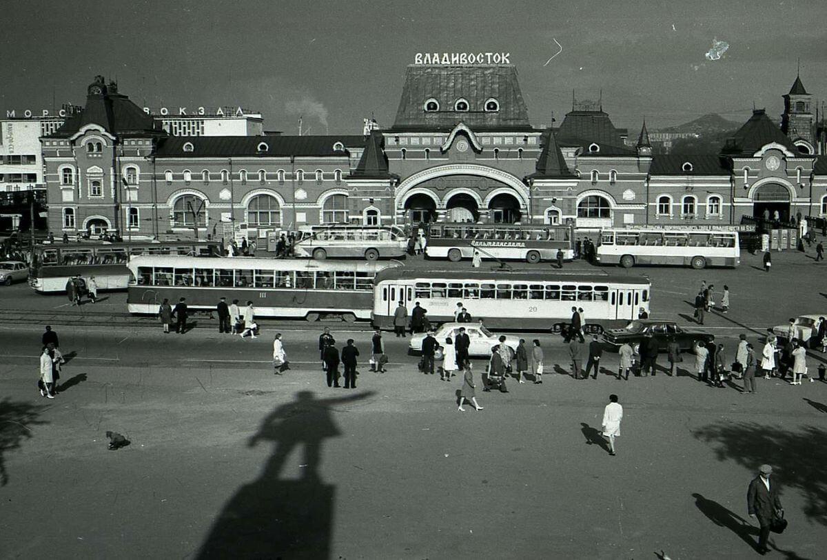 Привокзальная площадь. 1972 год.