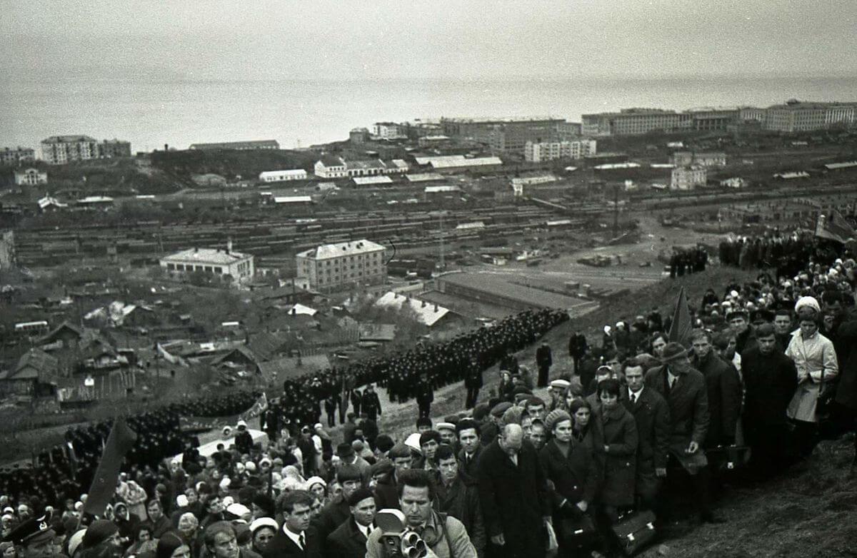 Закладка памятника В.И. Ленину на г. Крестовая. 1972 год.