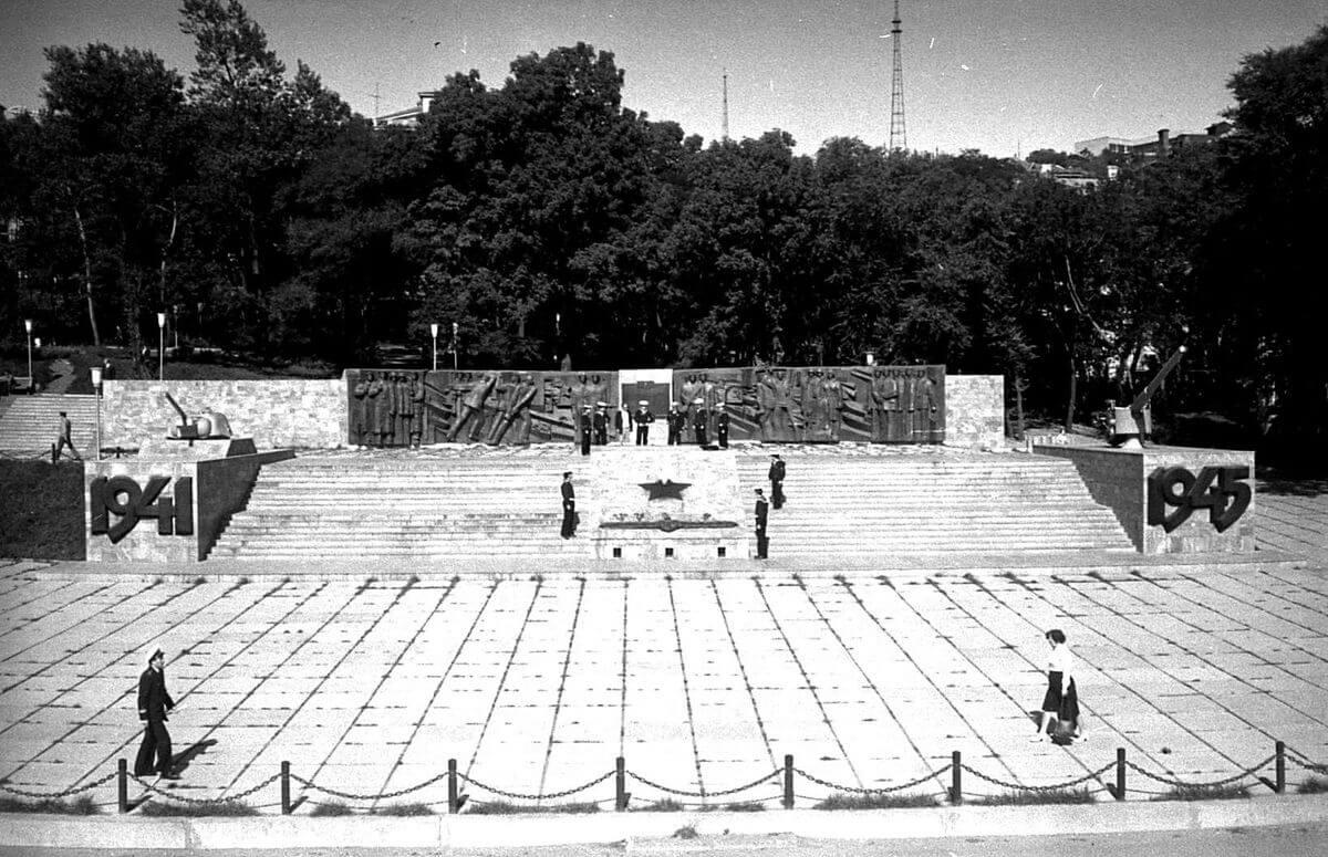 Фрагмент мемориала «Боевая слава ТОФ». 1983 год.
