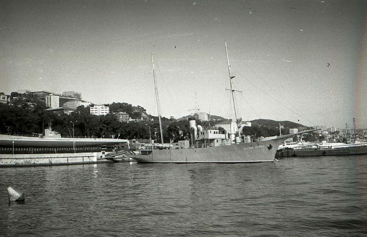 Мемориальный корабль «Красный вымпел». 1983 год.